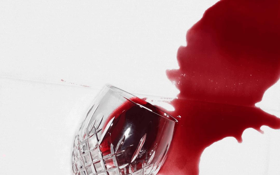 Como limpar as manchas de vinho?