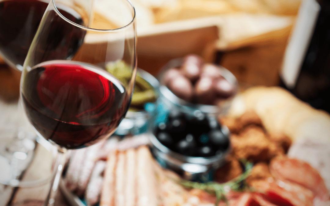 O que combina com vinho?