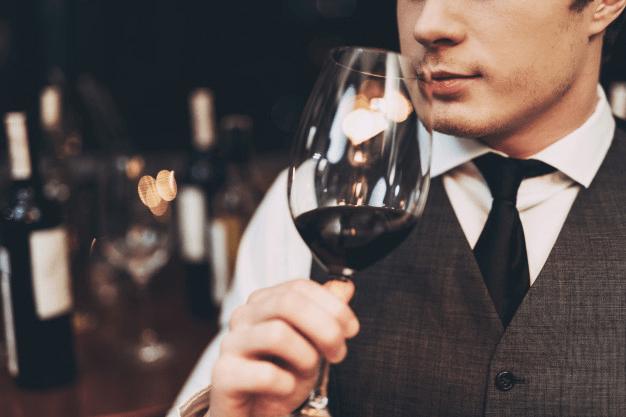 Sommelier de vinhos: tudo o que você precisa saber