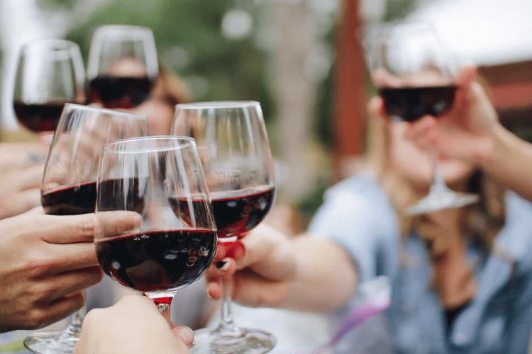 Vinho Chianti: conheça o vinho italiano cheio de histórias e sabores
